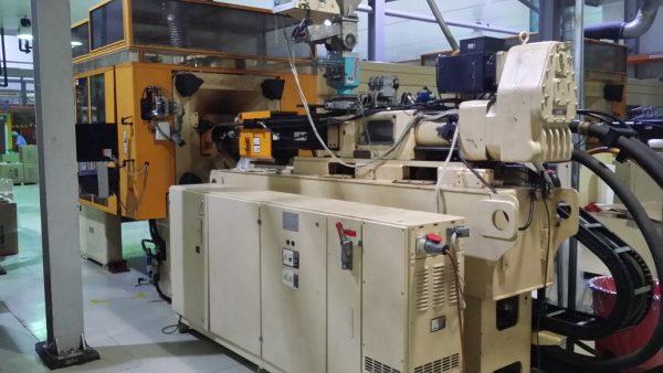 Husky IML Margarine tub/lid production system
